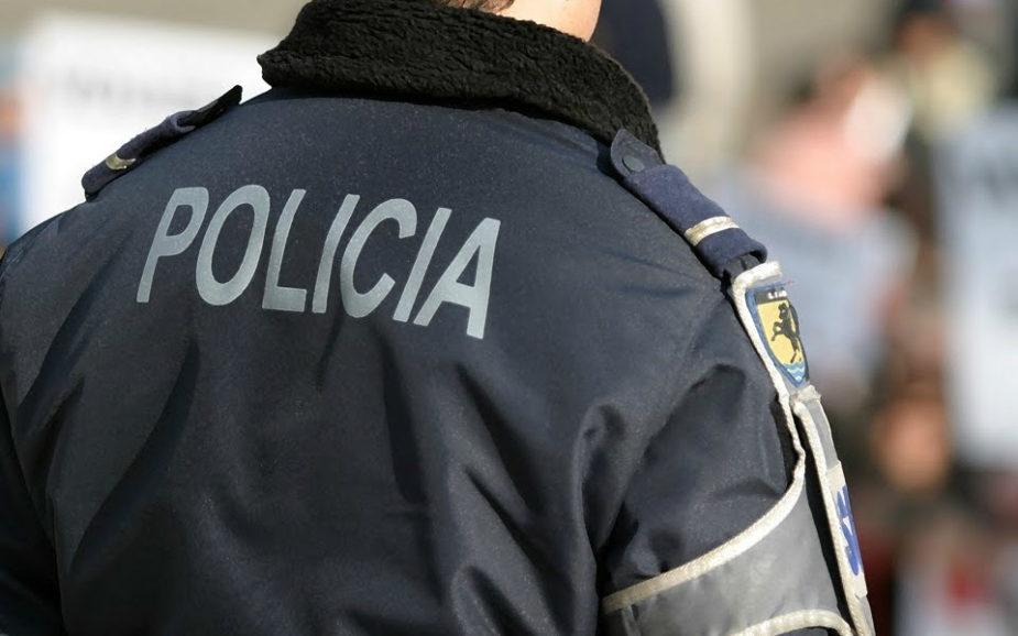 Homem detido por agredir a mãe
