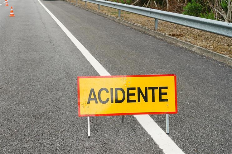 Despiste causa um ferido e corta estrada em Mira de Aire