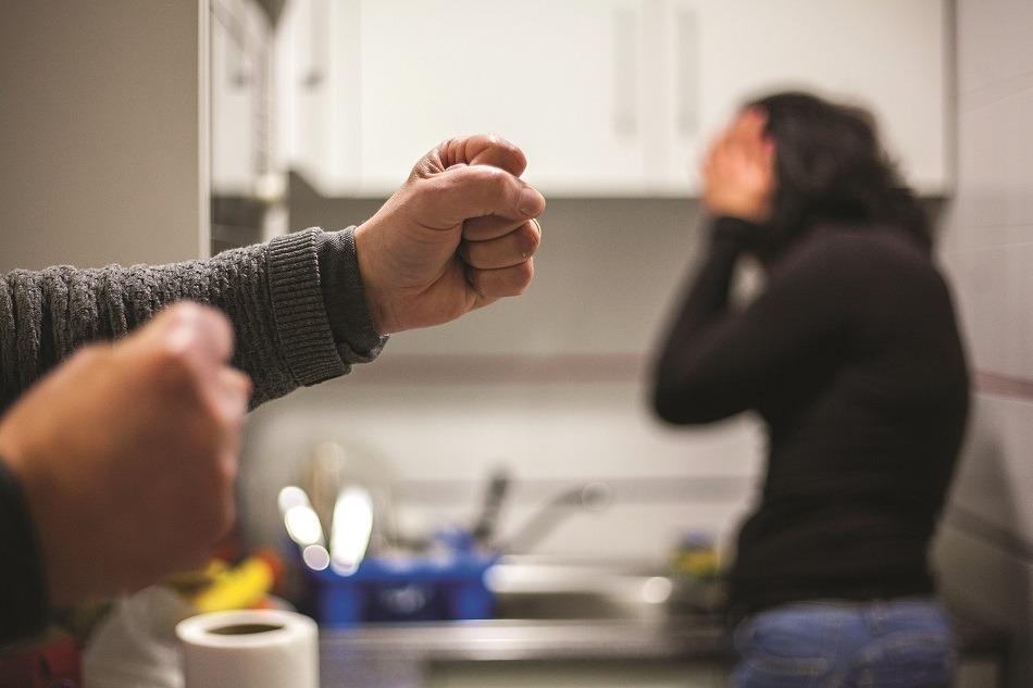 Prisão preventiva para dois suspeitos de agressão em contexto de violência doméstica