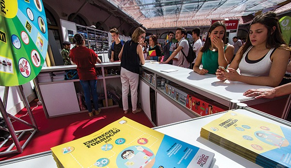 Fórum Emprego e Formação decorre até sexta-feira no mercado de Sant'Ana
