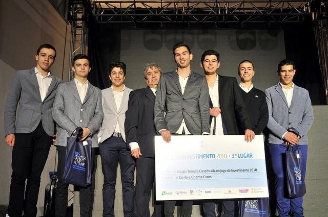 Jovens investidores de Leiria no pódio do Jogo do Investimento