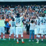 Apaixonados por andebol, ganham a vida no futebol