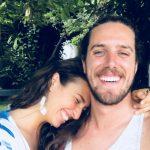 Rodrigo e Alma partem para o outro lado do mundo à procura de uma vida mais livre
