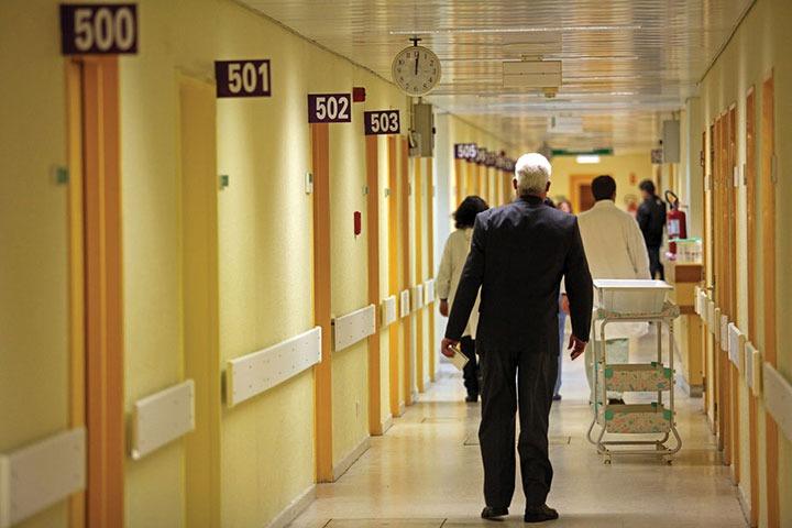 """O mundo """"impensável"""" dos serviços de saúde há 40 anos"""