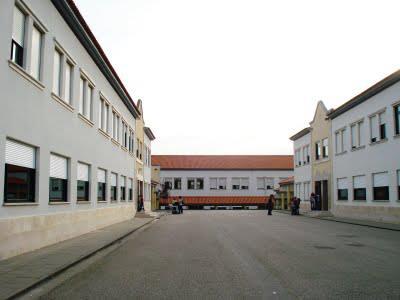 Escola José Saraiva encerrada por falta de funcionários