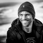 Surfista Alex Botelho melhora e já respira sem auxílio de ventilador