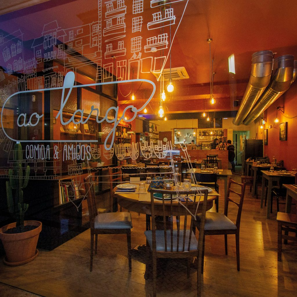 Fachada do restaurante Ao Largo, em Leiria
