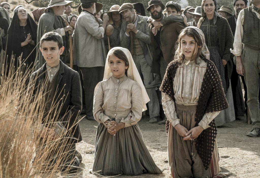A pensar no período em que os emigrantes regressam a Portugal e que muitos deles se deslocam a Fátima, Cinemundo escolheu mês de agosto para a estreia da película.