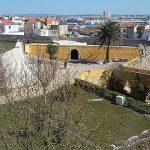 Fortaleza de Peniche, com Peniche ao fundo