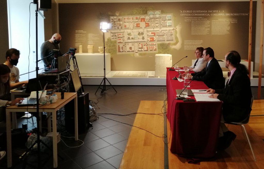 conferência de imprensa no museu de Leiria