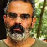 rosto do escritor Gonçalo M. Tavares