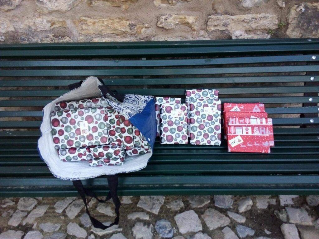 Livros embrulhados para presente serão oferecidos em Óbidos