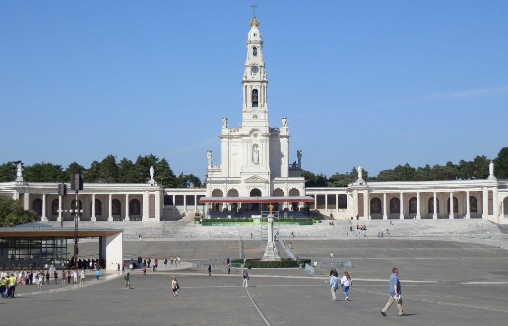 Imagem do recinto do santuário de fátima