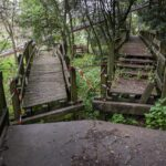 imagem dos passadiços degradados da encosta norte do castelo de leiria