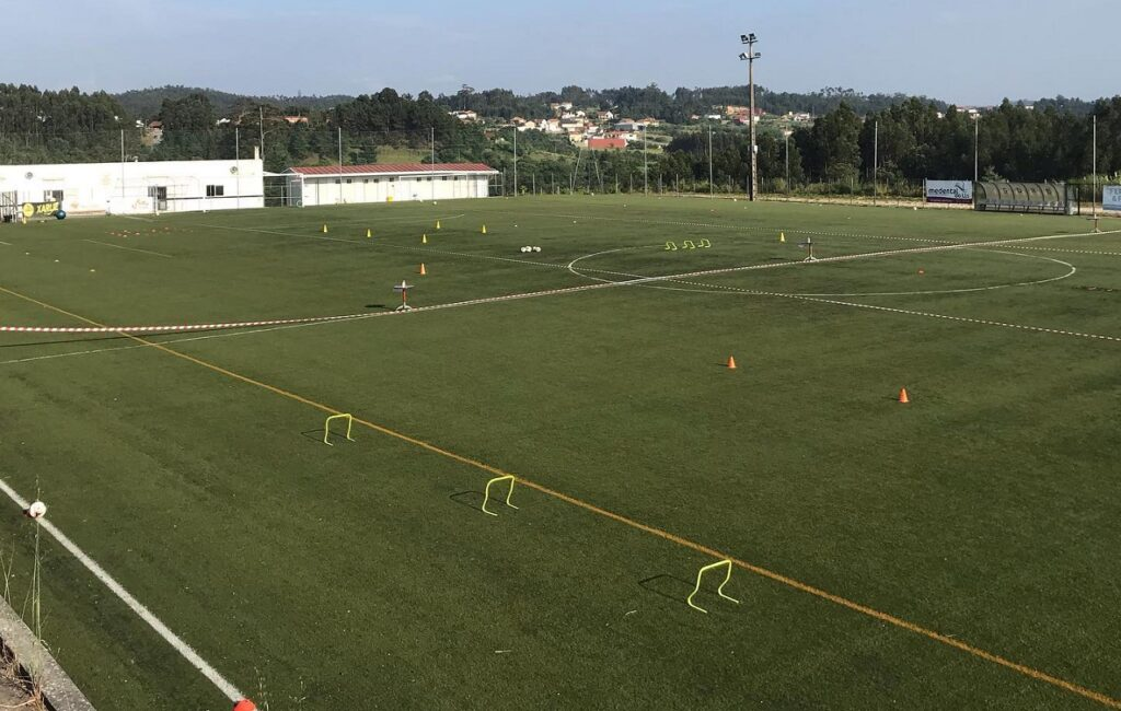 imagem do campo de futebol do grupo desportivo e recreativo da boavista
